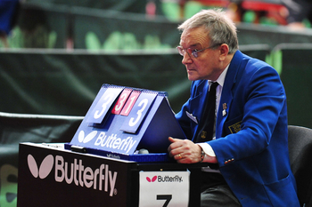 table tennis umpire